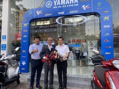 Yamaha Lê Văn Lương vinh dự được Chủ Tịch Tập Đoàn Yamaha toàn cầu HIDAKA Yoshihiro và Tổng Giám Đốc HORIKOSHI keitaro đến thăm